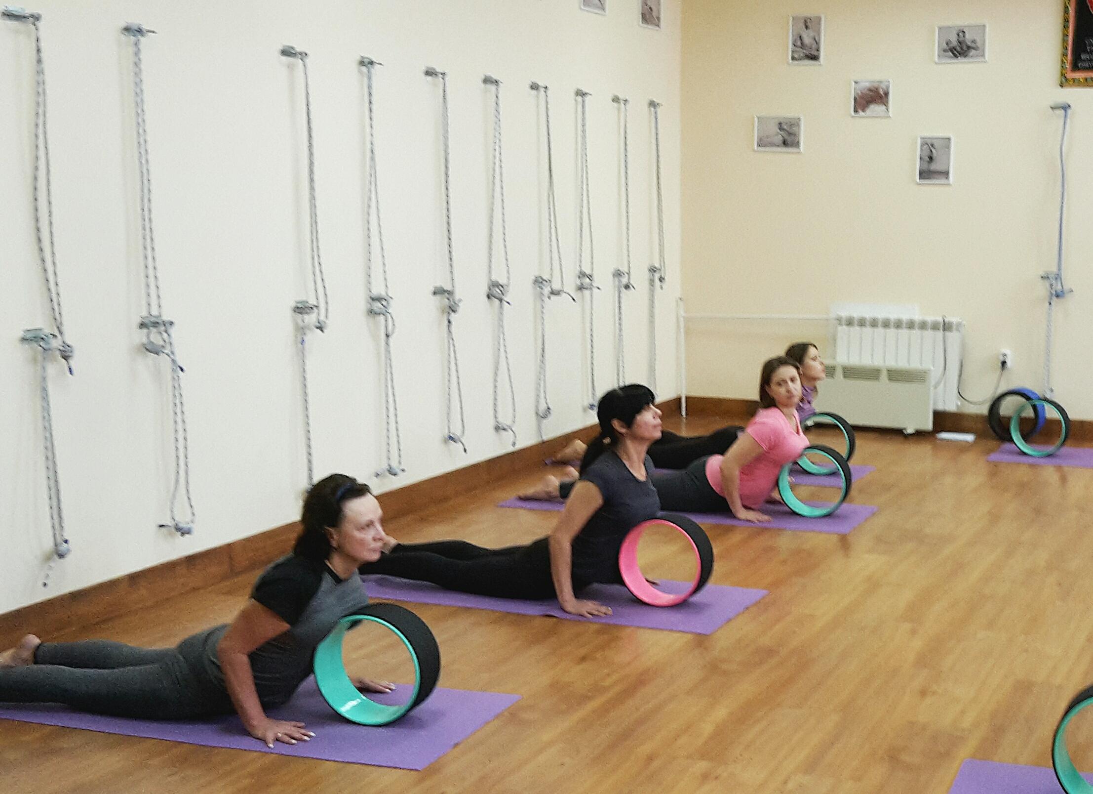 Двадцатилетие йога айенгара центра